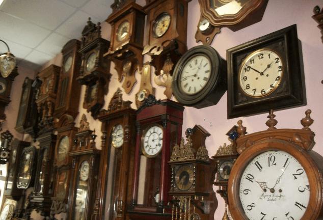 Ремонт настенных часов в Москве