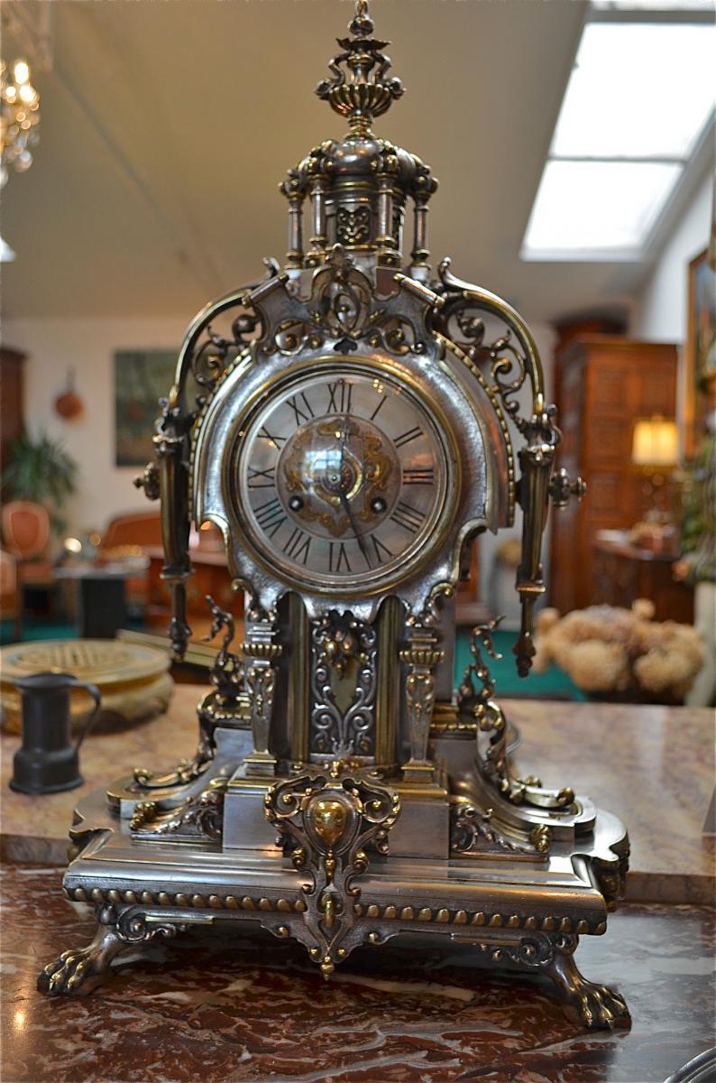 Ремонт старинных часов в Москве